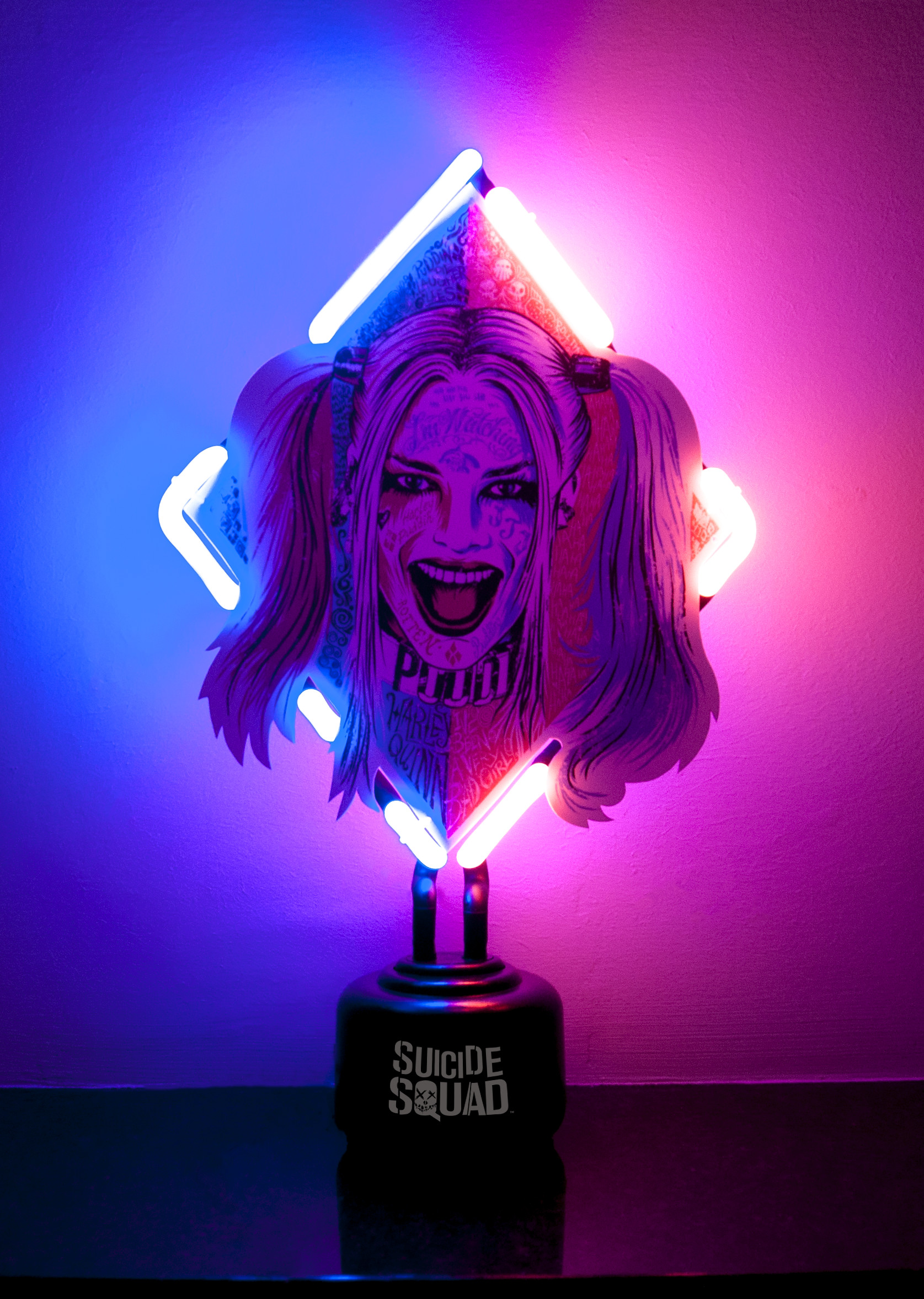 Suicide Squad Harley Quinn Neon 33cm Groovy Uk