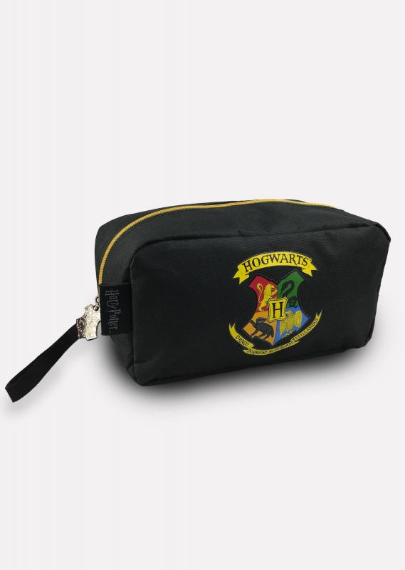 91894_Hogwarts_Mens-Wash-Bag-web.jpg