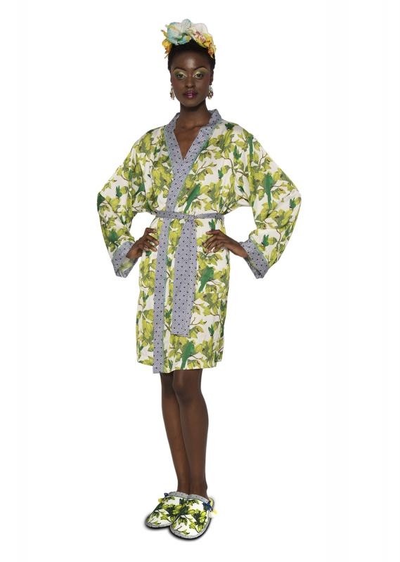 92258_Frida_Bonito_Front_Silk_Bathrobe_Transparent