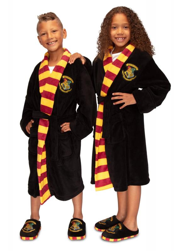 92608_Hogwarts_Kids-Bathrobe_PHOTO-SHOOT_FRONT-1_WEB-1280X1800pix